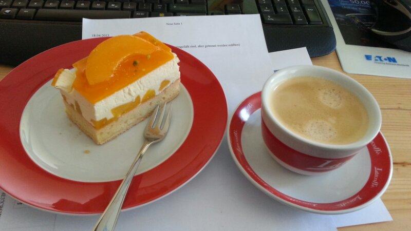 Kaffe bei Kuchen
