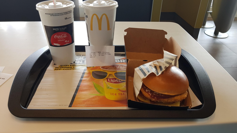McDonald s in twee landen in een dag part 1