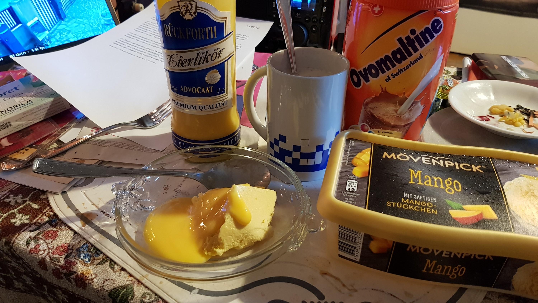 Eis und Ovomaltine