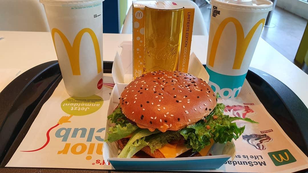 Ein Chickenburger in Hamburg D