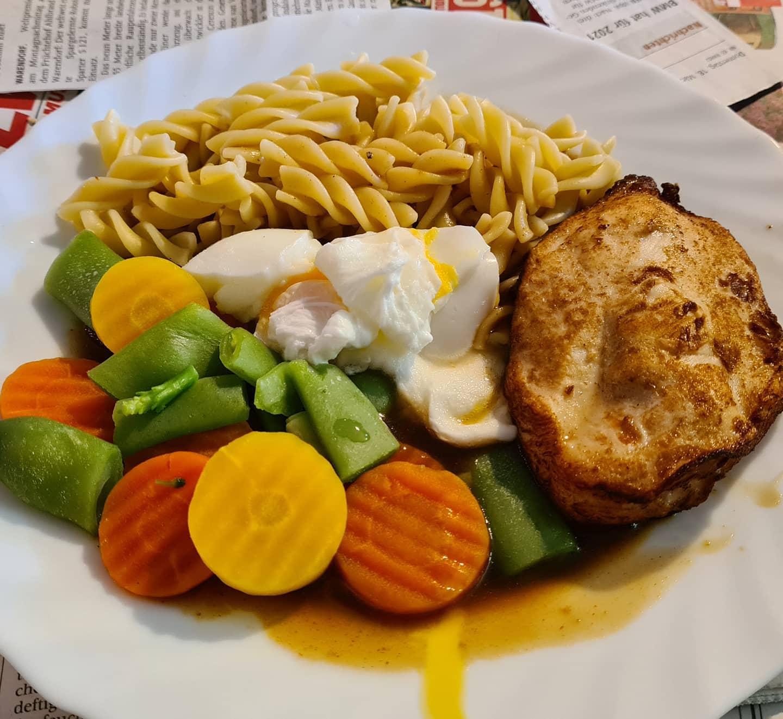 Mittagessen mit Ei